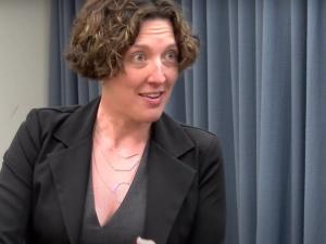 Aborcjonistka chwaliła się, że podcina dzieciom struny głosowe żeby nie krzyczały. Straciła licencję