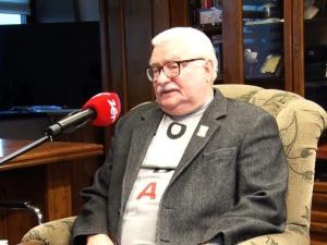 [video] Lech Wałęsa o pieśni wykonanej na jego cześć: Krótko