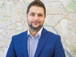 Zamieszanie ws. artykułu Wyborczej o manipulacjach Barta Staszewskiego. Patryk Jaki komentuje