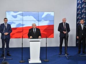 Rekonstrukcja rządu i deklaracja wspólnego startu w kolejnych wyborach. Rzecznik PiS ujawnia treść umowy koalicyjnej ZP