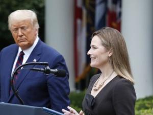 Konserwatystka Amy Coney Barrett kandydatką Trumpa do Sądu Najwyższego. To milowy krok w walce z…
