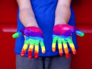 Ideolodzy genderyzmu LGBT z ograniczonym dostępem do brytyjskich szkół