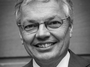 Inni też chcą głodzić Polskę i Węgry? Didier Reynders: Pieniądze dobrym środkiem nacisku