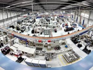 Niemiecki producent części do samochodów przenosi część produkcji do Polski. Pracę straci 300 Niemców
