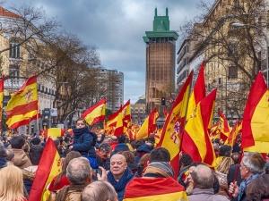 Kryzys w Hiszpanii. Bank centralny: Spółki potrzebują 230 mld euro do utrzymania płynności finansowej