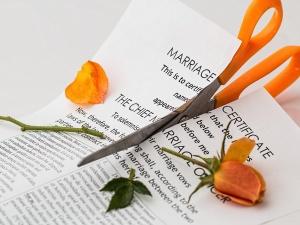 Alimenty dla małżonka po rozwodzie. Komu się należą?