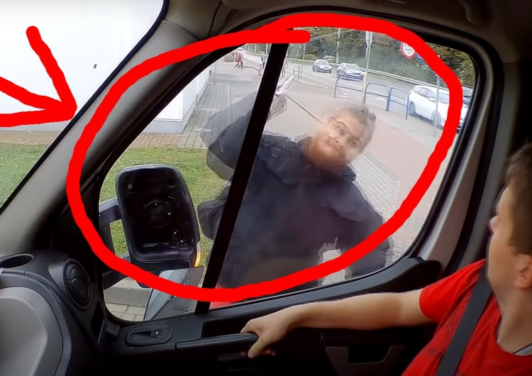 [video] Brutalny atak na furgonetkę