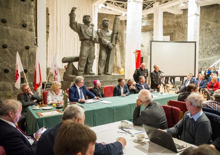 Posiedzenie Komisji Krajowej 24-25 października 2017 r. w Wieliczce Handel w niedziele: PiS musi się wywiązać ze swoich deklaracji