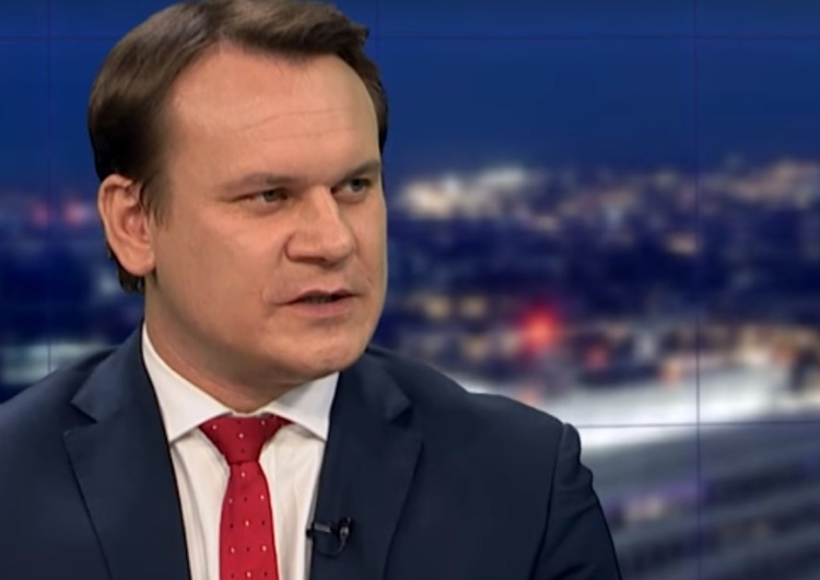 Tarczyński [PiS] do Wielińskiego [GW]: Wywiady robi się siedząc a nie klęcząc przed wejściem Die Welt