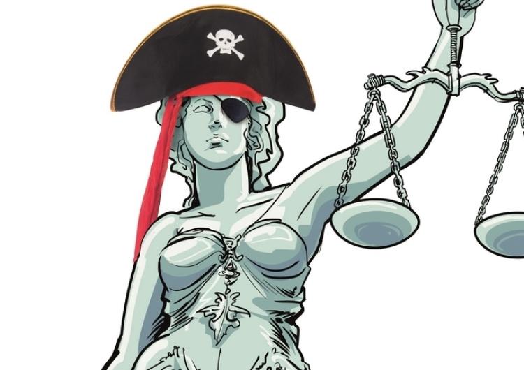 Sędzia i jego poglądy. Dlaczego Timmermans tak bardzo bronił starego modelu sądownictwa w Polsce?
