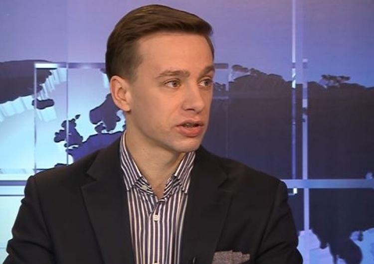 Krzysztof Bosak o ustawie o IPN: Żadna sprawa w III RP nie miała takiego priorytetu dla rządu