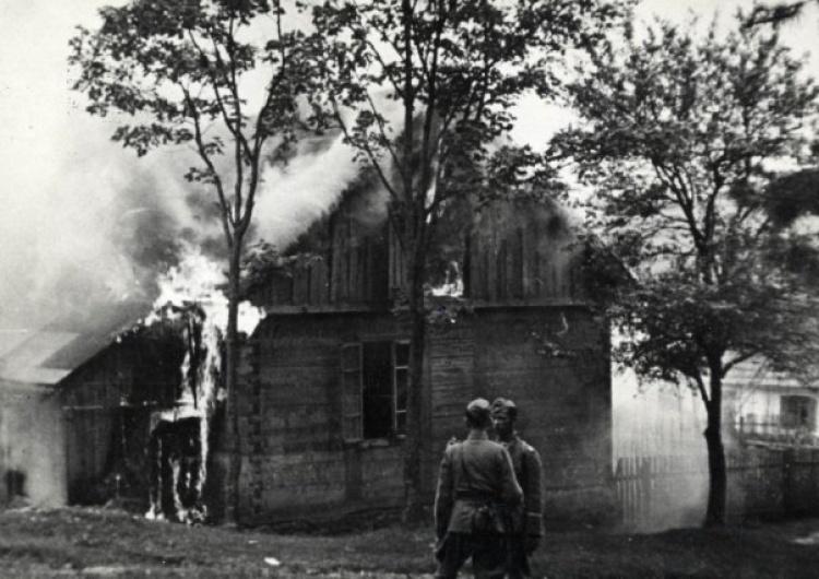Polska wieś mimo prześladowań wykazywała się patriotyczną postawą – 76 lat temu spalono Michniów