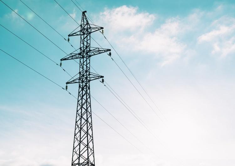Zbigniew Kuźmiuk: Stabilizacja cen energii przez rząd, uniemożliwi podwyżki cen usług przez samorządy