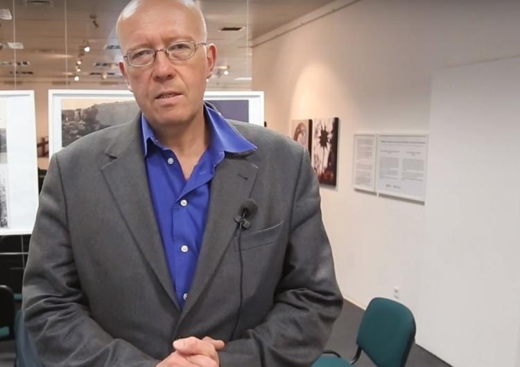 """Paranoja. Prof. Grabowski: """"Granatowa policja wraca na pl ulice"""". Policja: """"Niech się pan napije wody"""""""