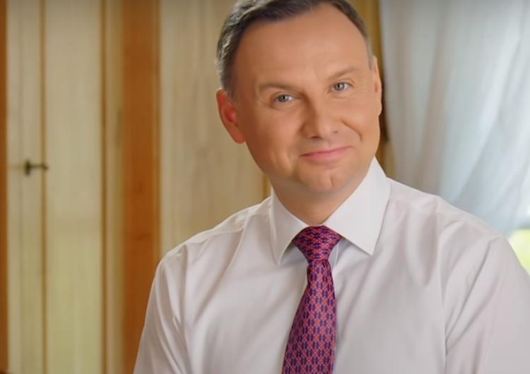 Prezydencki fotograf publikuje ukraińską kartę wyborczą z dwoma skreśleniami i dopisanym nazwiskiem...