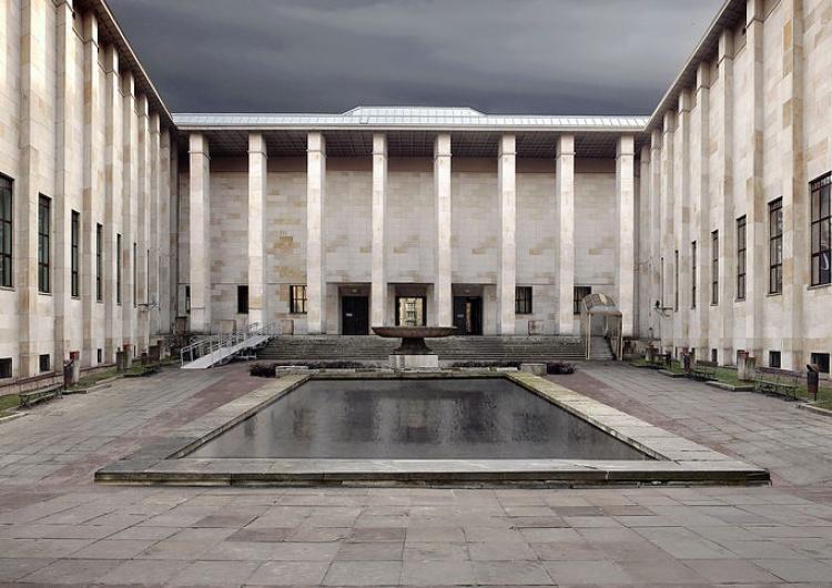 Muzealnicy żądają podwyżek i dialogu