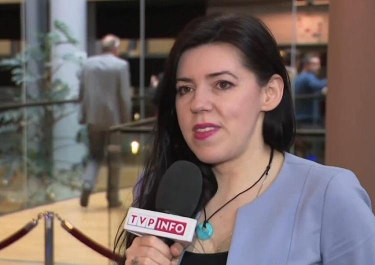 """Dominika Cosic: """"Poszły ruble na podwyżkę dla trolli. Większość tych tekstów trąci antysemityzmem"""""""