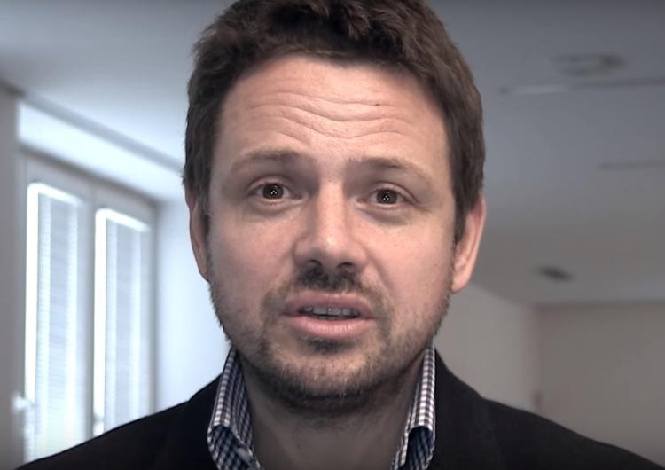 """[Wideo] Trzaskowski: """"Podczas pierwszego roku udało się zrealizować wiele projektów"""". Internauci w śmiech"""
