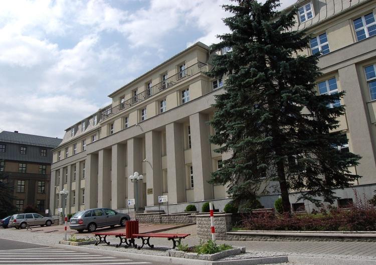 Związkowcy drugą dobę czekają na rozmowy w siedzibie Polskiej Grupy Górniczej
