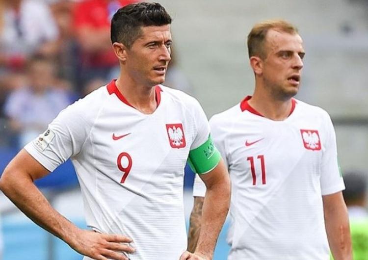R. Lewandowski w koszulce reprezentacji... Niemiec. Takim zdjęciem Deutsche Welle reklamuje swój materiał