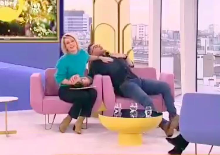 """[video] FilipChajzerudawał atak paniki na antenie TVN. Chory na leki napadowe: """"Szokujące i obrzydliwe"""""""