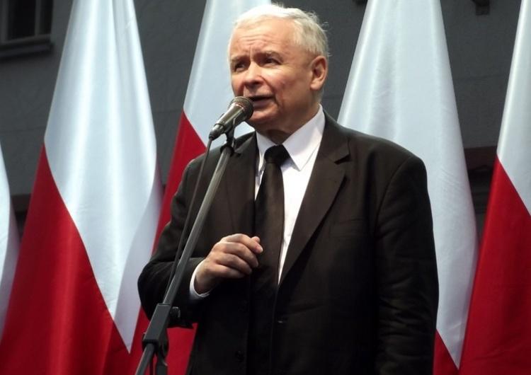 """""""RZ"""" o kulisach konfliktu Banasia z PiS: """"Otwarta wojna"""", kartą przetargową spółki syna szefa NIK"""