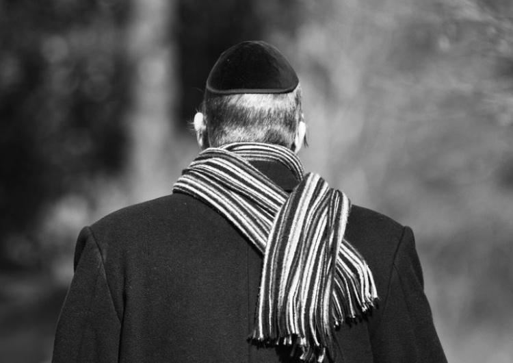 """Londyn: Starszy rabin brutalnie pobity przez dwóch nastolatków. """"Zabić Żydów!"""""""