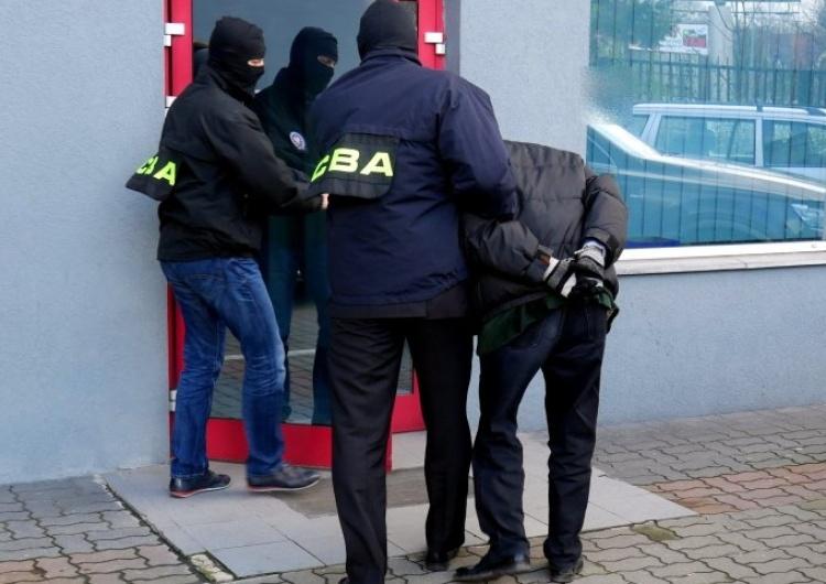 CBA CBA zatrzymuje pracowników samorządowych w Krakowie. Chodzi o przetargi na mieszkania