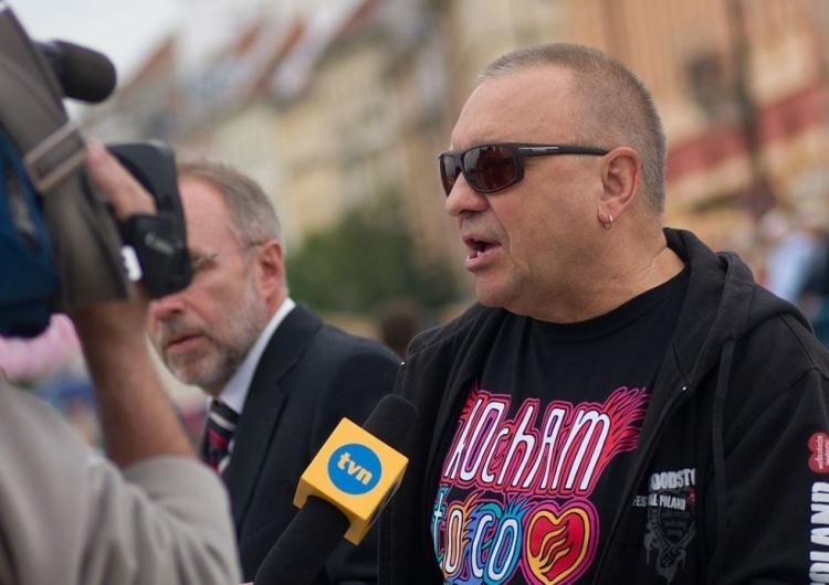 Owsiak na FB w peanach pochwalnych na cześć Tokarczuk. Nie omieszkał zaatakować rządu