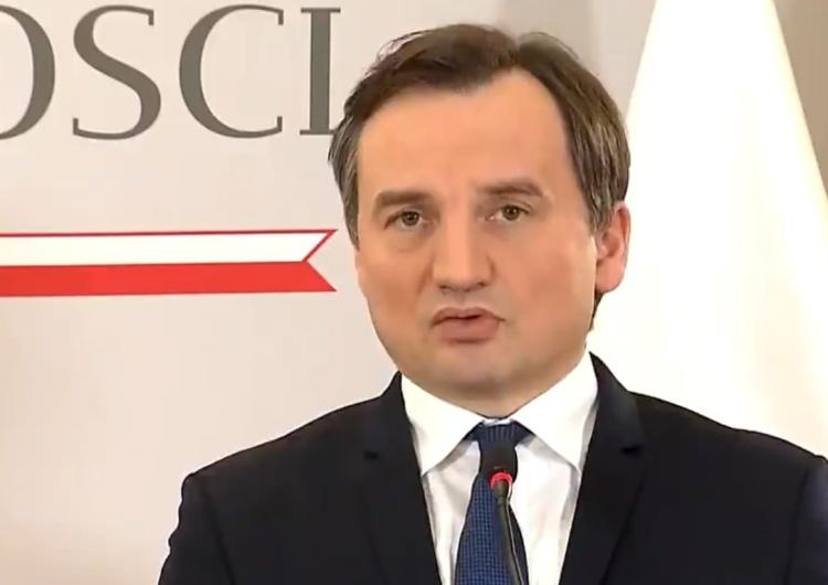 """""""Usiłuje się nam powiedzieć, że jesteśmy członkami UE drugiej kategorii"""". Mocne słowa Zbigniewa Ziobry"""