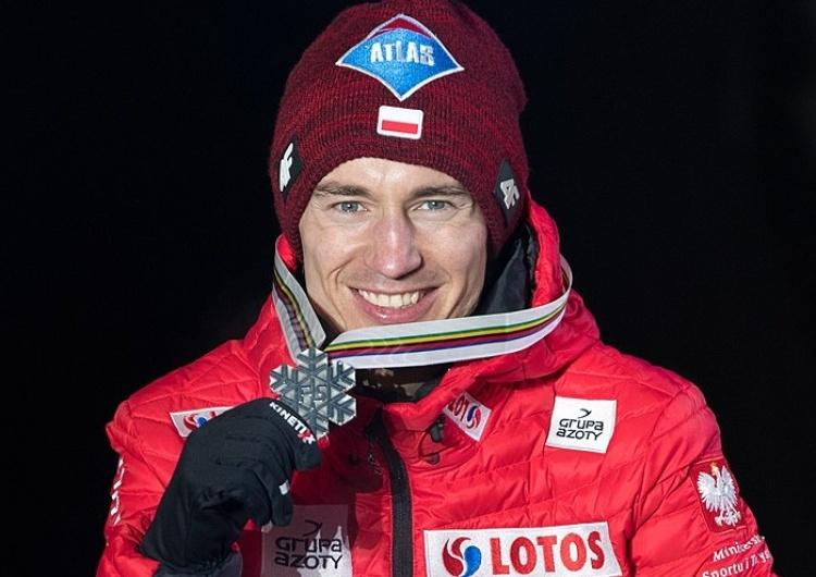 Wikimedia Kamil Stoch na podium w Willingen!