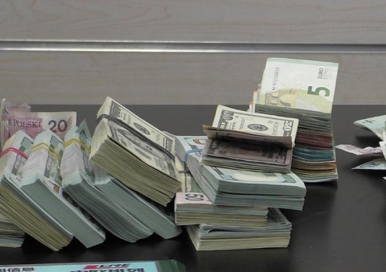 47 mln zł zabezpieczonego mienia podejrzanych. Kolejne uderzenie prokuratury w mafie vatowskie