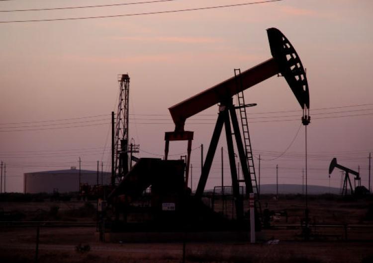 Ceny ropy w Stanach Zjednoczonych w kontraktach terminowych na maj spadły ponad 100 proc. i są... ujemne