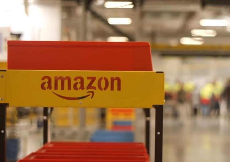 Na nocnej zmianie zmarła pracowniczka magazynu Amazona. Sprawę zbada Inspekcja Pracy