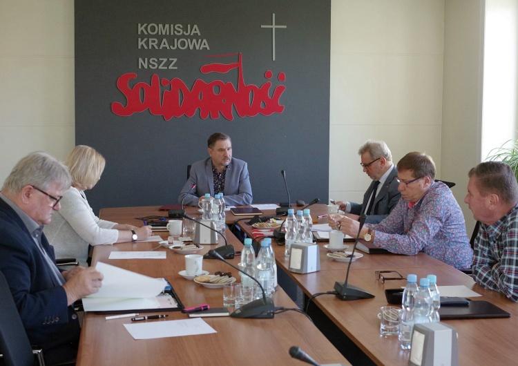 """Posiedzenie Prezydium Komisji Krajowej NSZZ """"Solidarność"""" """"Solidarność"""" ostrzega – KE chce narzędzi do gwałtownej i brutalnej likwidacji polskiego przemysłu"""
