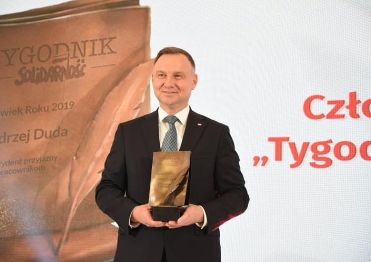 """[video] Gala """"Człowiek Roku 2019 Tygodnika Solidarność"""". Laureatem Prezydent Andrzej Duda"""