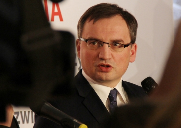 500+ w postaci bonu? Szef Solidarnej Polski reaguje