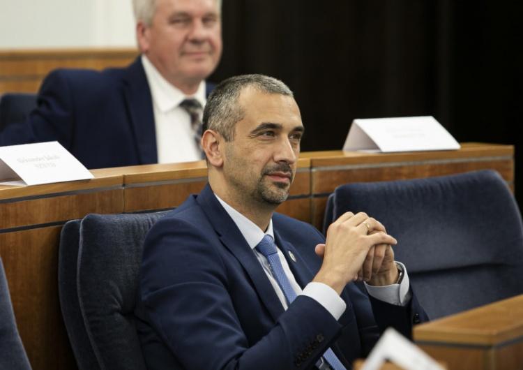 """""""Działalność skandaliczna i antypaństwowa"""". Wicemarszałek Senatu komentuje decyzjęKO"""