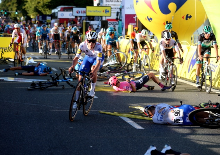 """""""Czysty horror"""". Media z Holandii i Belgii rozpisują się o wypadku na Tour de Pologne"""