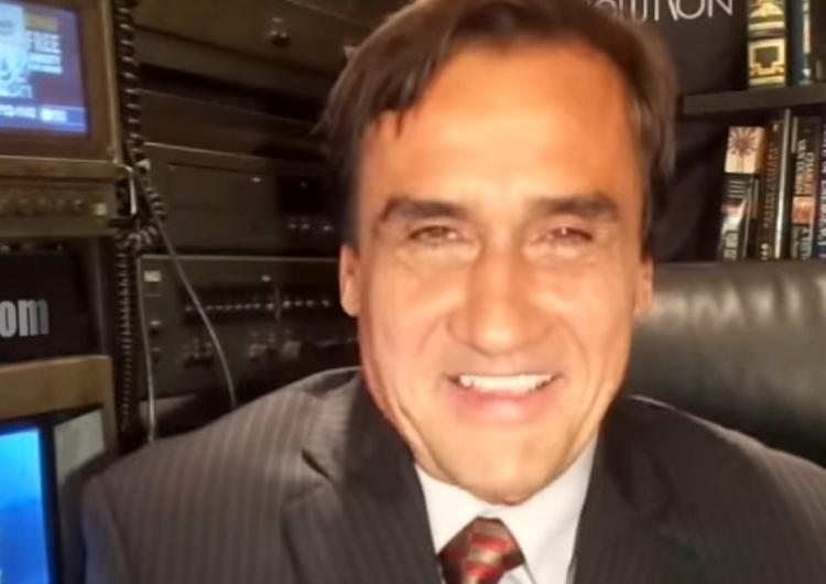 """[video] """"Obejmuję obowiązki Prezydenta ad interim"""". Kolonko ogłosił się prezydentem. Poważnie"""