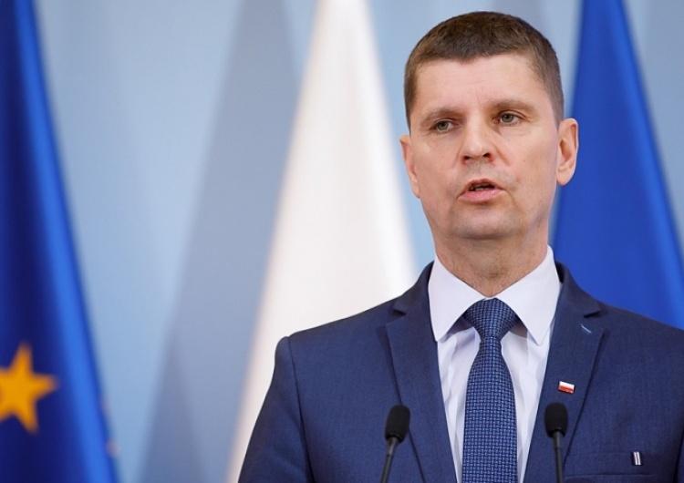 """""""Szefostwo ZNP jest bardziej partią sympatyzującą z totalną opozycją, a nie związkiem zawodowym"""""""