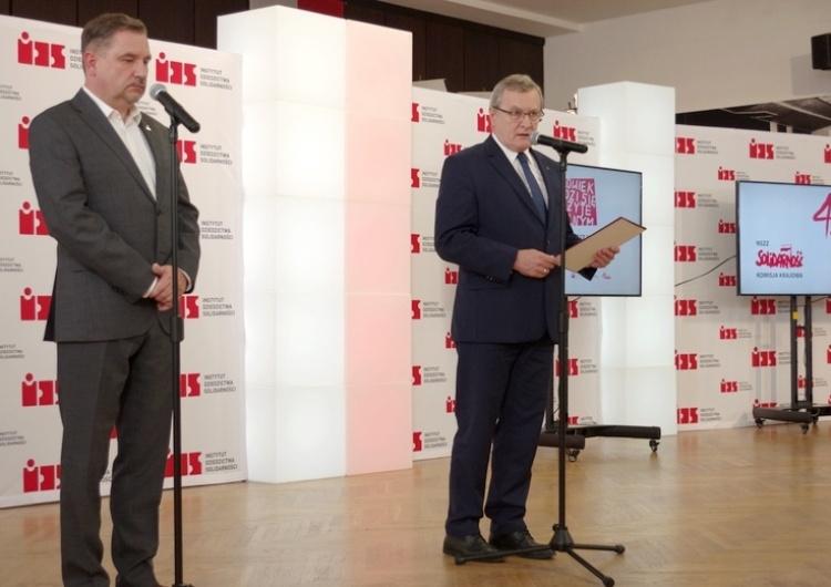"""Piotr Gliński: """"Dzisiaj, w 40-lecie przełomowych wydarzeń oddajemy cześć bohaterom tamtych dni"""""""