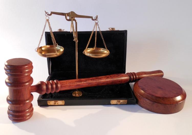 succo Pamiętacie pobicie działacza PiS zbierającego podpisy dla PAD? Sąd orzekł winę i odstąpił od kary