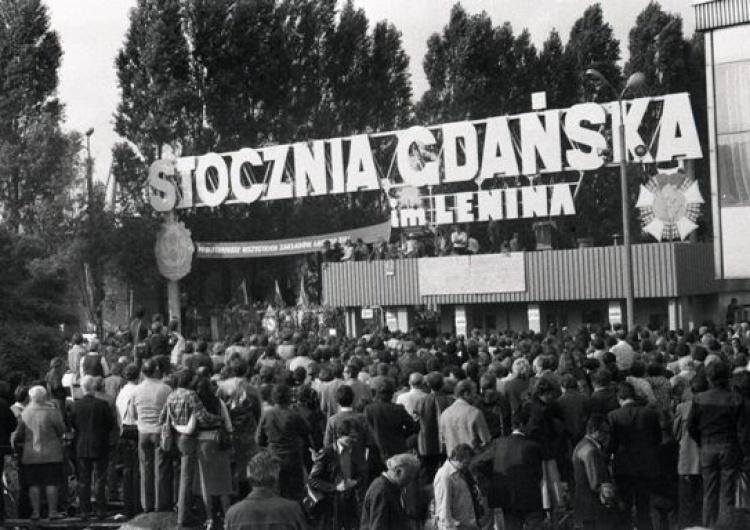 40 lat temu w Stoczni Gdańskiej rozpoczął się strajk w obronie Anny Walentynowicz