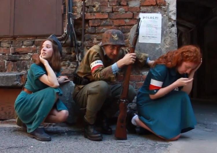 """""""Promuje zachowania niebezpieczne i agresywne"""". Youtube zablokował film harcerzy o Powstaniu Warszawskim"""